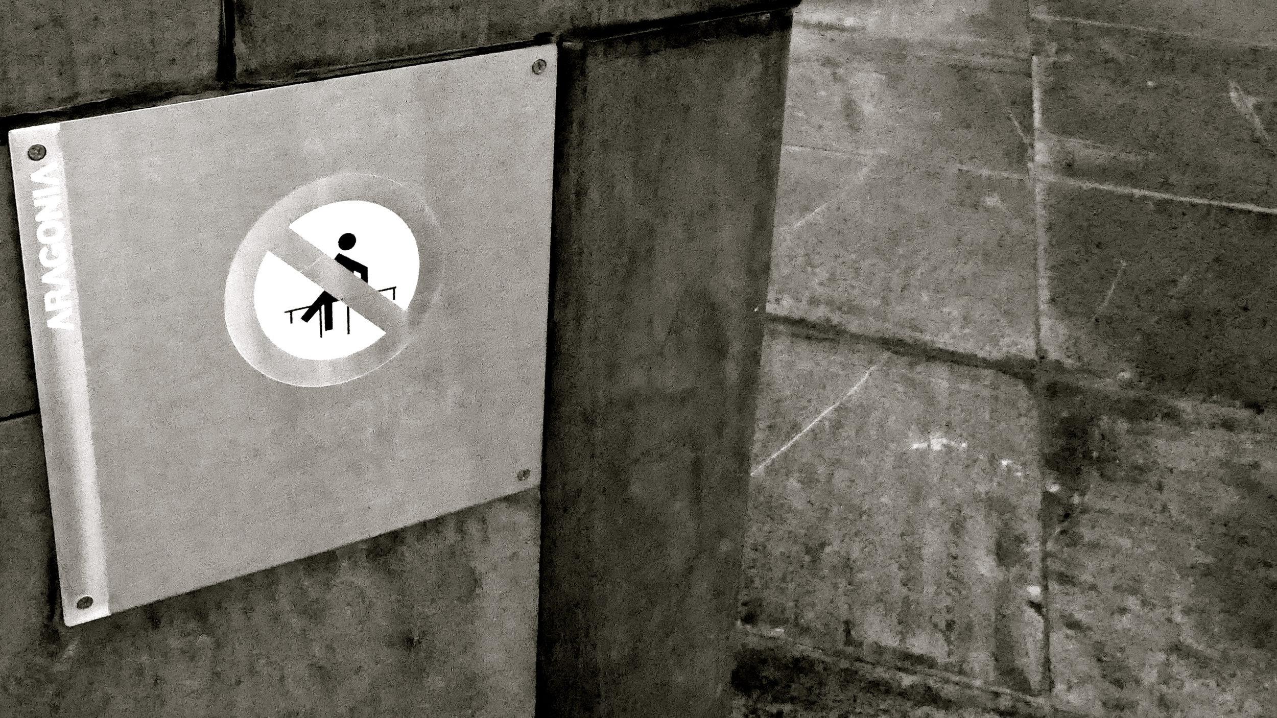 Prohibido saltar las vallas - 1