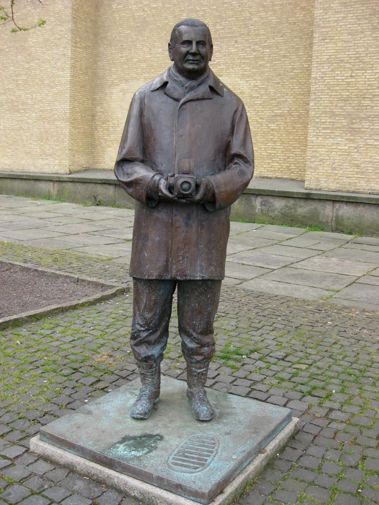Statue of Victor Hasselblad by Ulf Celén, Götaplatsen, Gothenburg, Sweden.