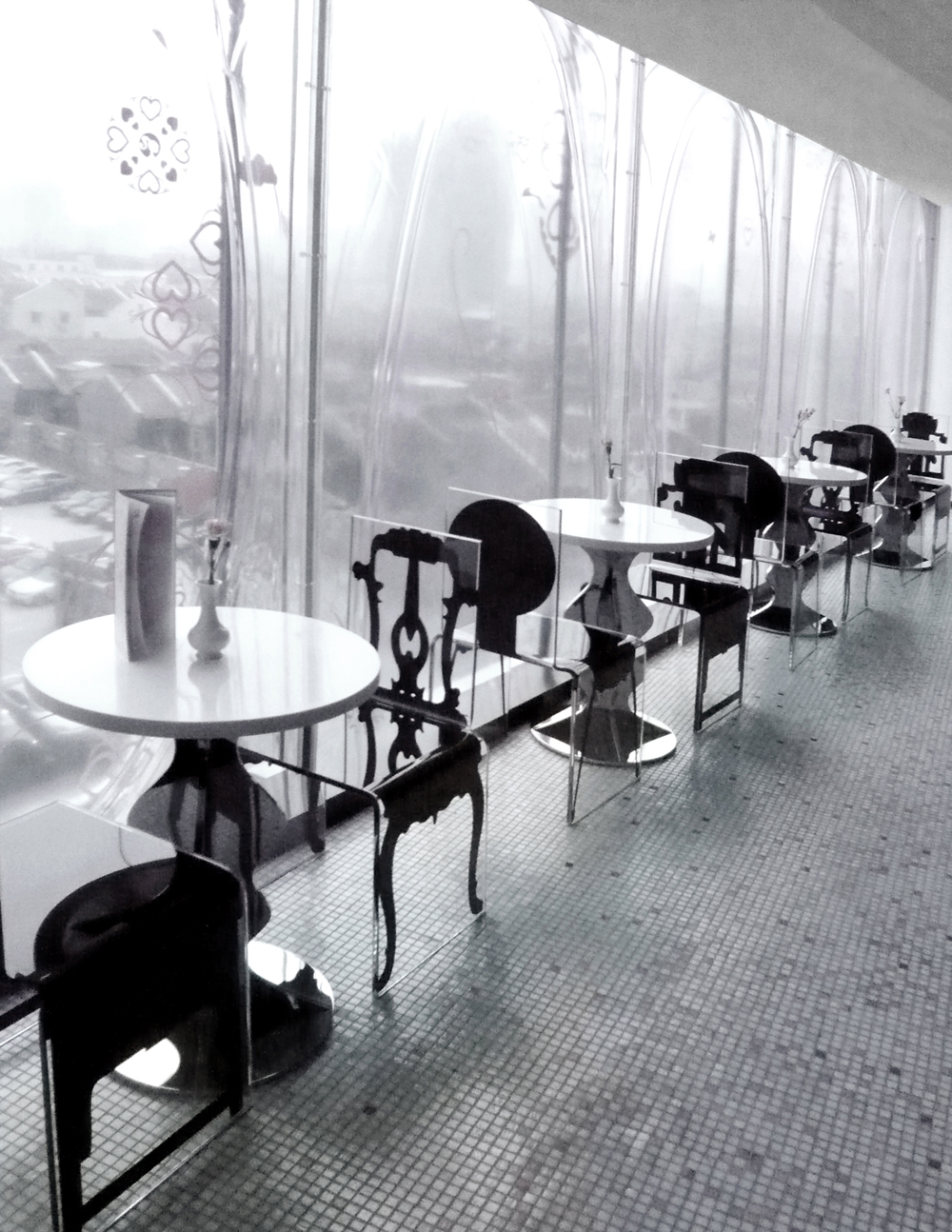 PPT_SIZE_CHAIRS BY WINDOW.jpg