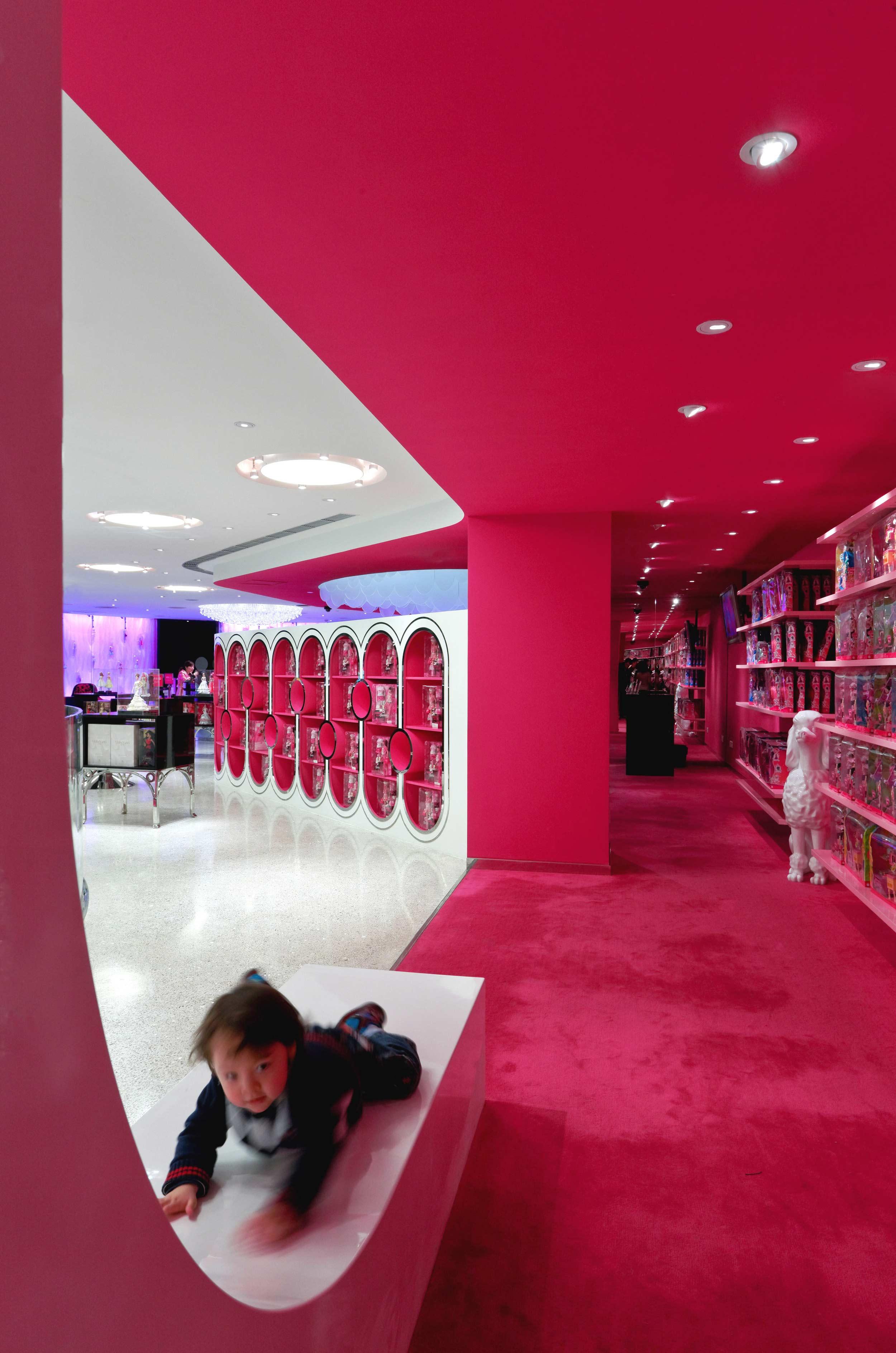 Barbie-Store-JSA-4075b.jpg