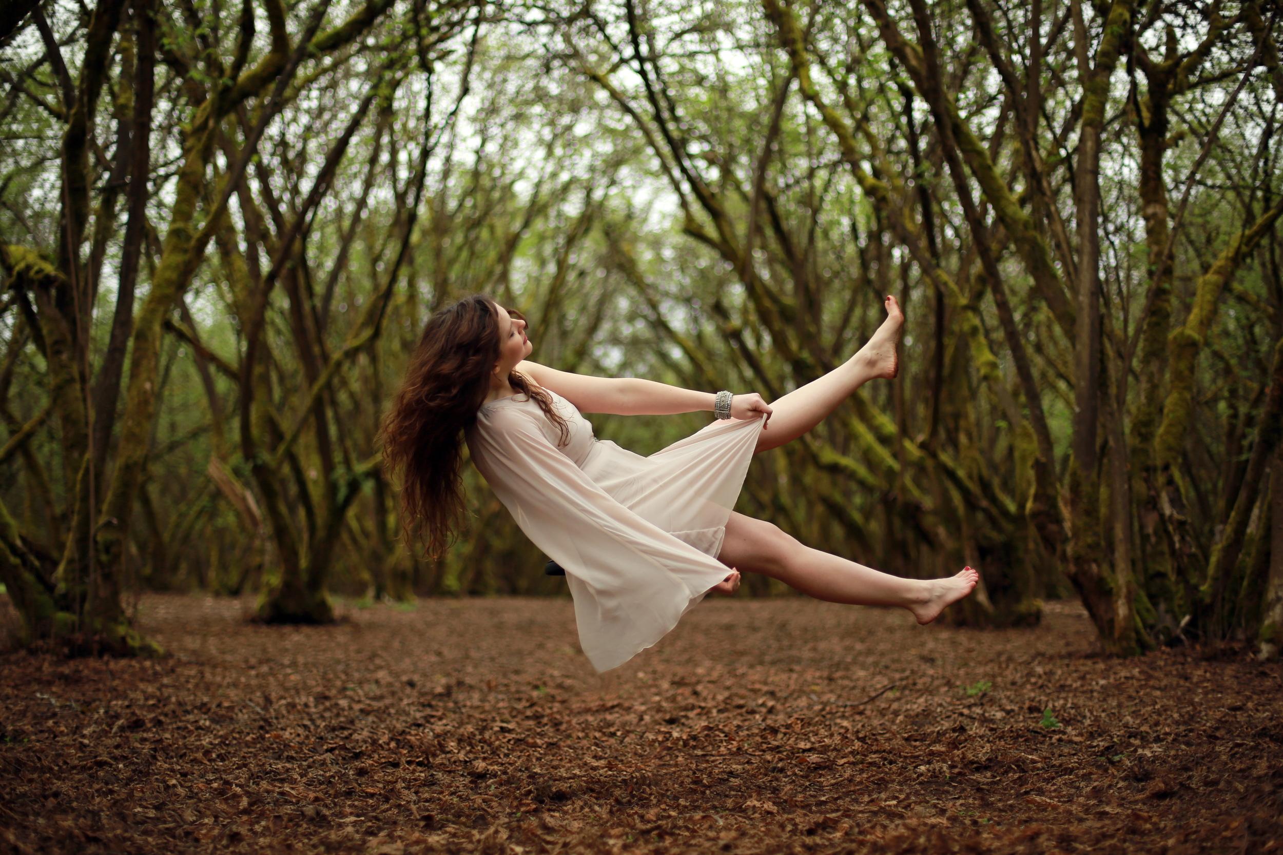 Halie Falling 7445.jpg