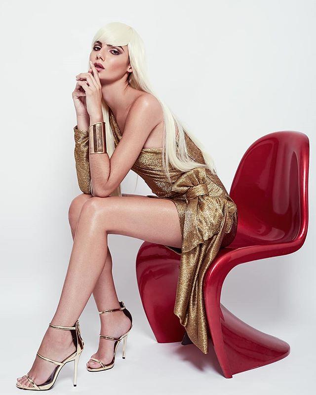 T H E - A M A Z I N G - MARA NOVAES @maranovaes_ by @paragonmodelm • Makeup Artist: @roxavedillomua • Hair: @ignaziomunoz • Designer: @robertoleone.fashion @wacom_mexico @canonmexicana @infinitecolorpanel  #model #photography #editorial #makeup #beauty #retoucher #cdmx #designer