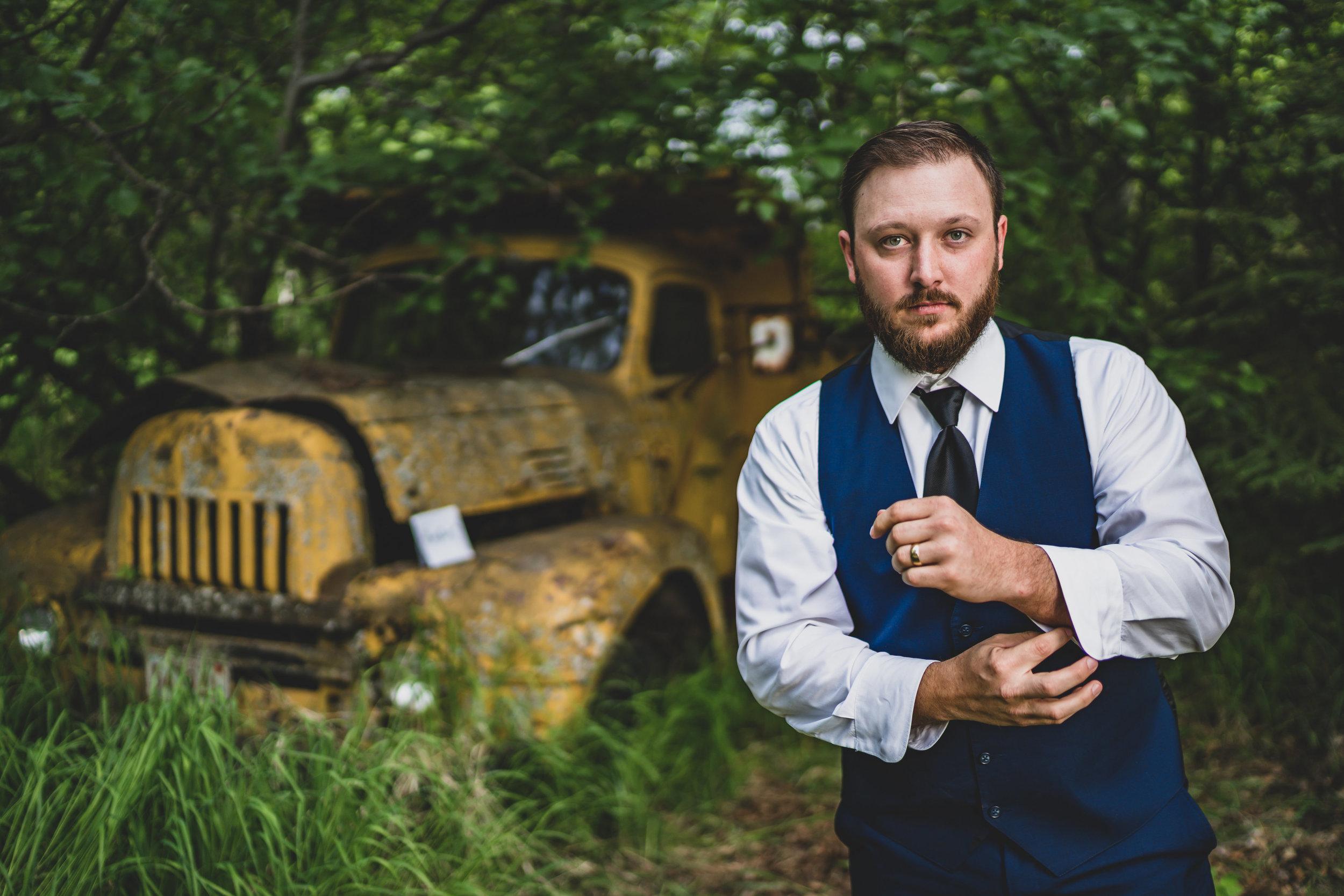 Austin and Kiley Wedding-01 Groom Portraits-0043.jpg