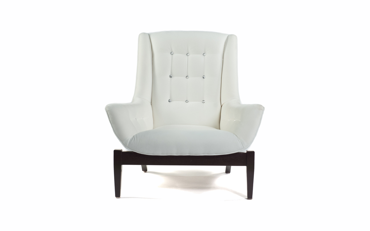 avenue chair front.jpg