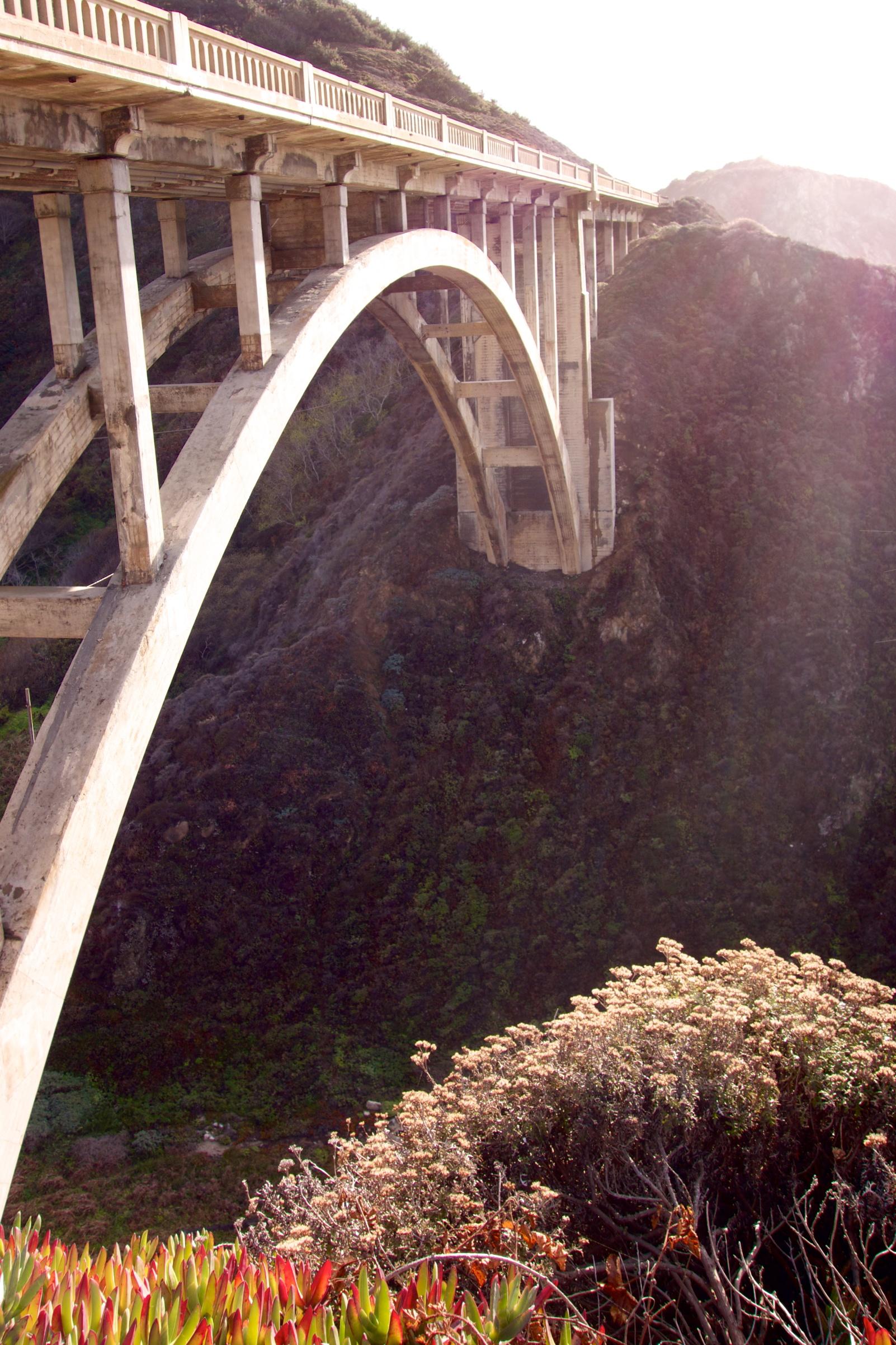 → The Bixby Creek Bridge.