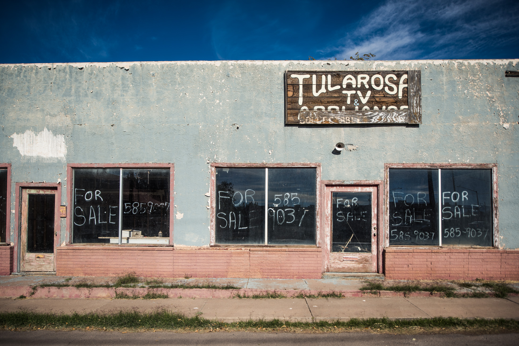 Tularosa was the hometown of four generations of the Telles family.(Telles is the surname of my paternal grandmother.) Most eventually departed to California for economic reasons.