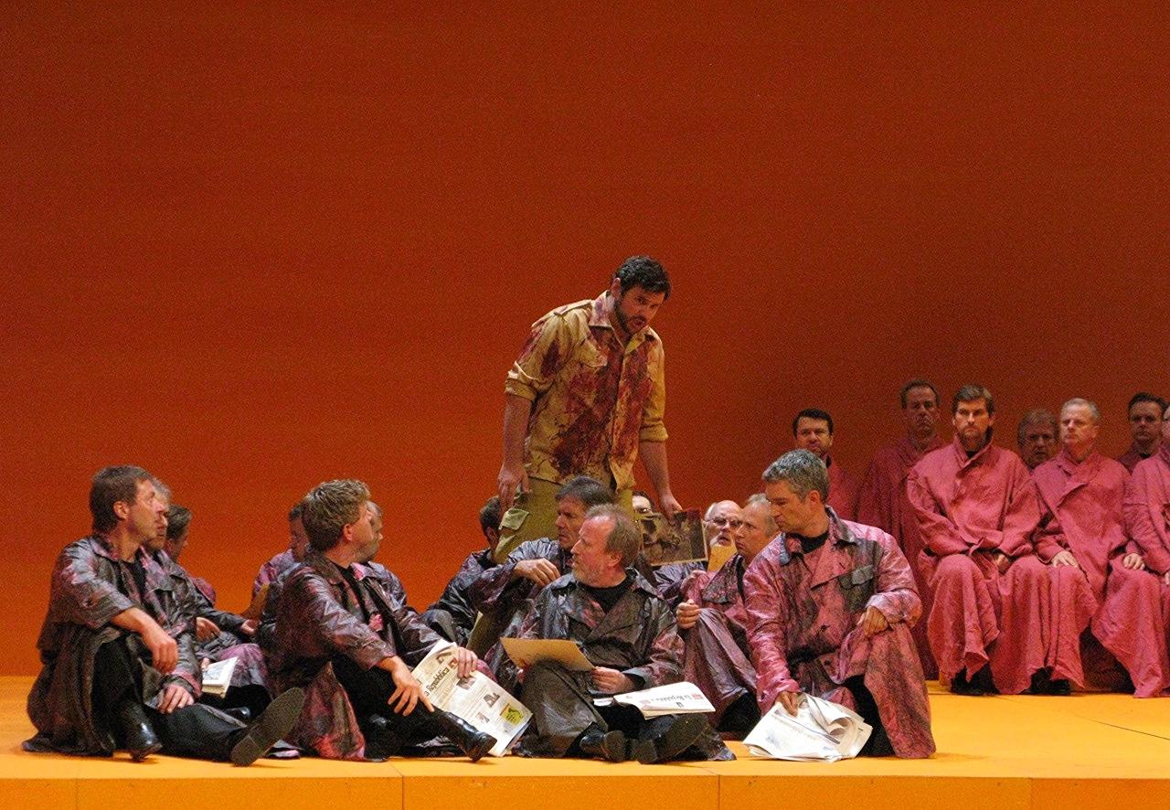 """Aida"" Minister, Bote: Tobias Haaks, Priester"