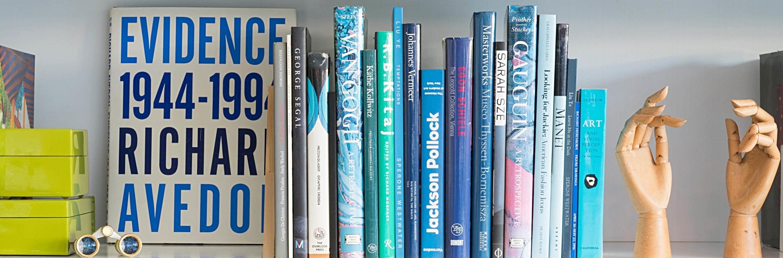 bookeshelf blue 73.jpg