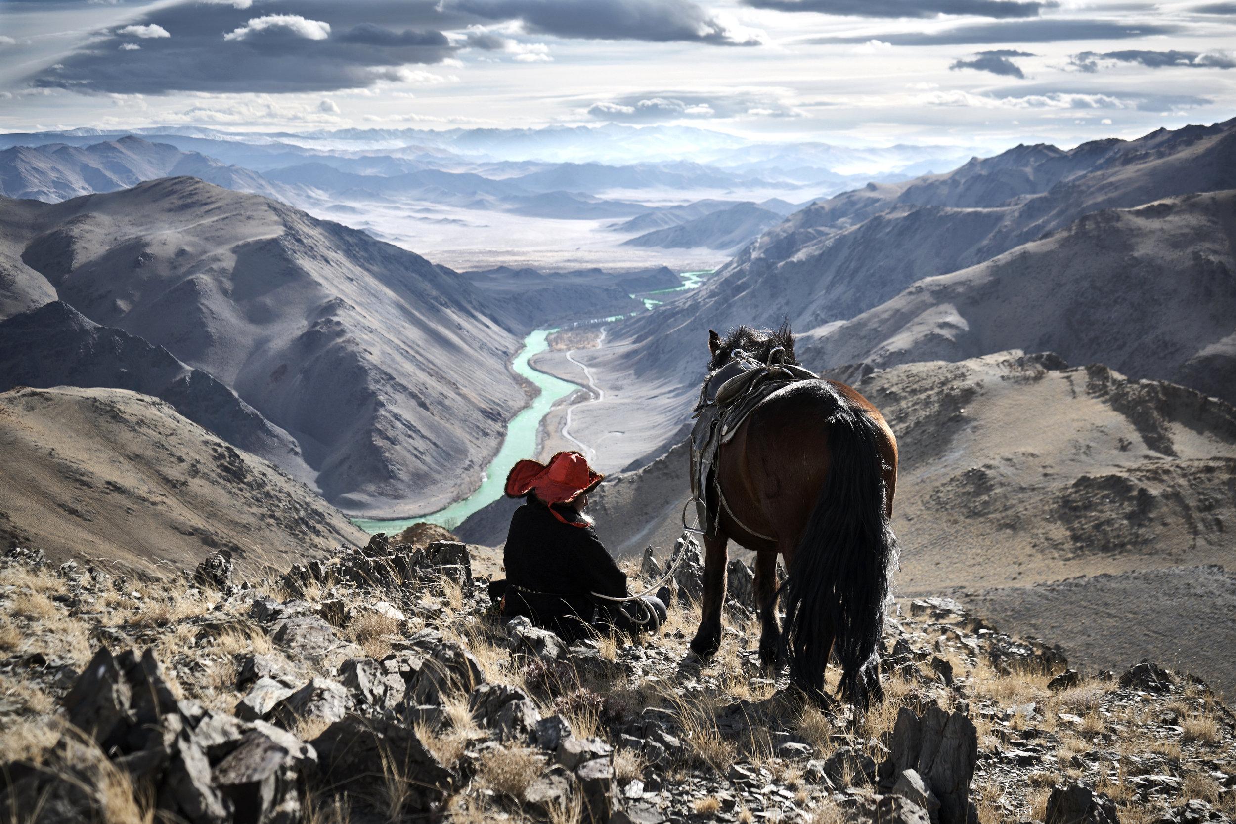 Khasar_S_ManAndHisHat_Altantsogts_Mongolia_Autumn_2014.jpg
