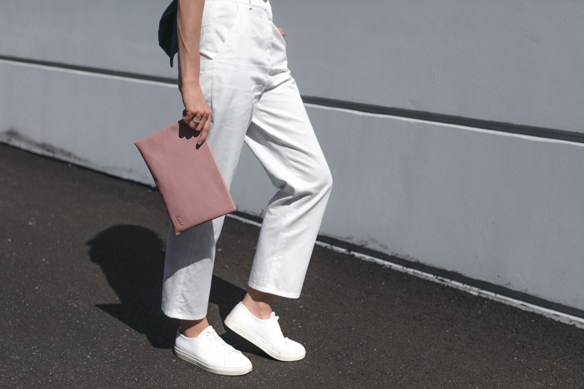sharday-engel-toit-volant-herschel-axel-arigato-vancouver-fashion-blogger-mama9204.jpg