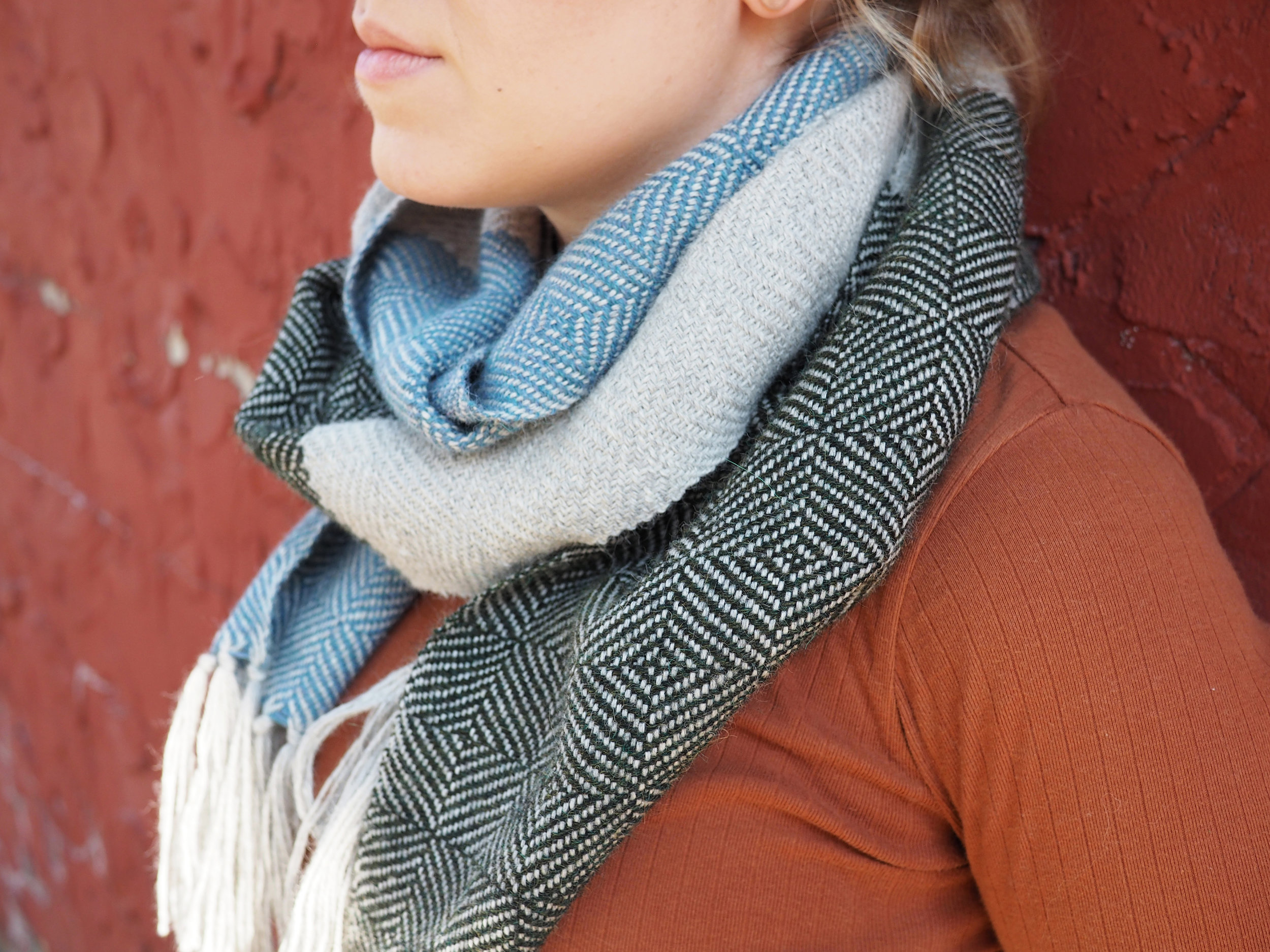 View and download the free weaving pattern I created for Gist Yarn & Fiber!