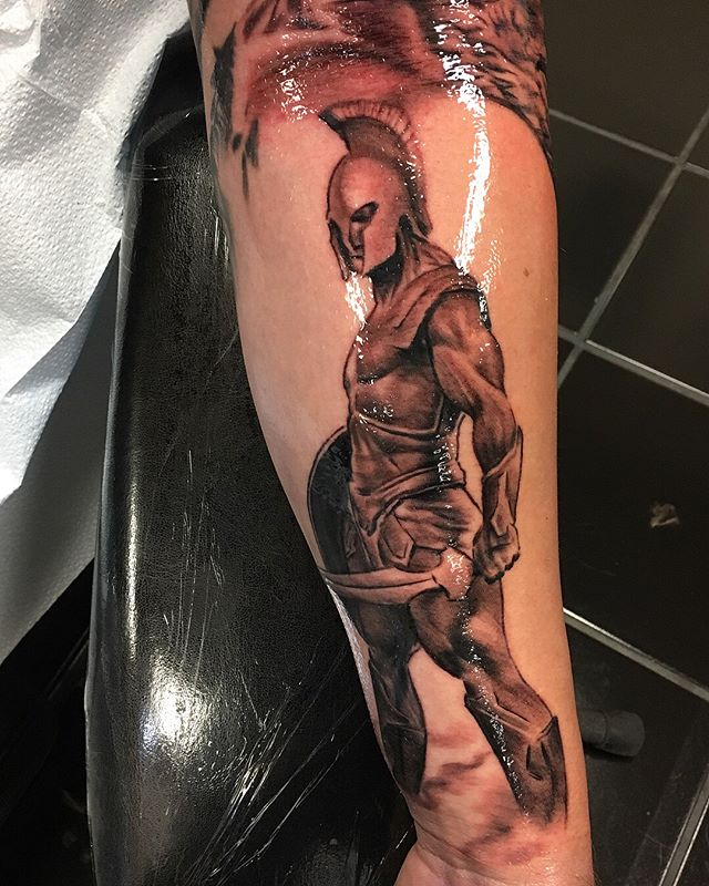 Yesterday I added this Achilles piece to a Greek mythology sleeve he's working on.  Sorry the video is upside down (flip yer phone)  #greekmythology #achilles #statue #ancientgreece #trojanwar #sleevetattoo #blackandgrey #b&g #realismtattoo #realistictattoo @hustlebutterdeluxe @inkeeze @kwadron @equaliser_usa @fkirons @criticaltattoosupply @silverbackink @eternalink @tatsoul @tattooartistmagazine @tattooartstrong @tattoolifemagazine @tattrx @tattoos_of_instagram @xtatts @amazingtattoos0 @crazyytattoos @skinart_mag @inkedmag @inkjunkeyz @the_inkmasters @skinart_collectors