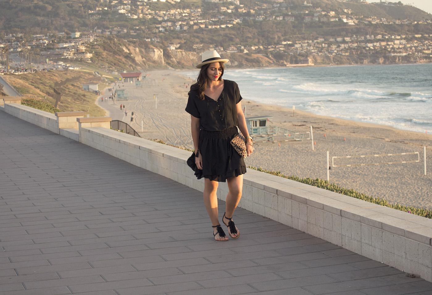 Black Dress Beach 7.jpg