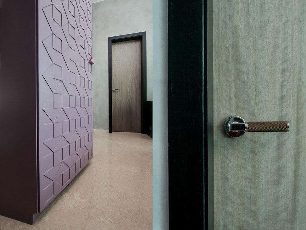 BEDROOM 2 WARDROBE SHUTTERS + BATHROOM DOOR HANDLE