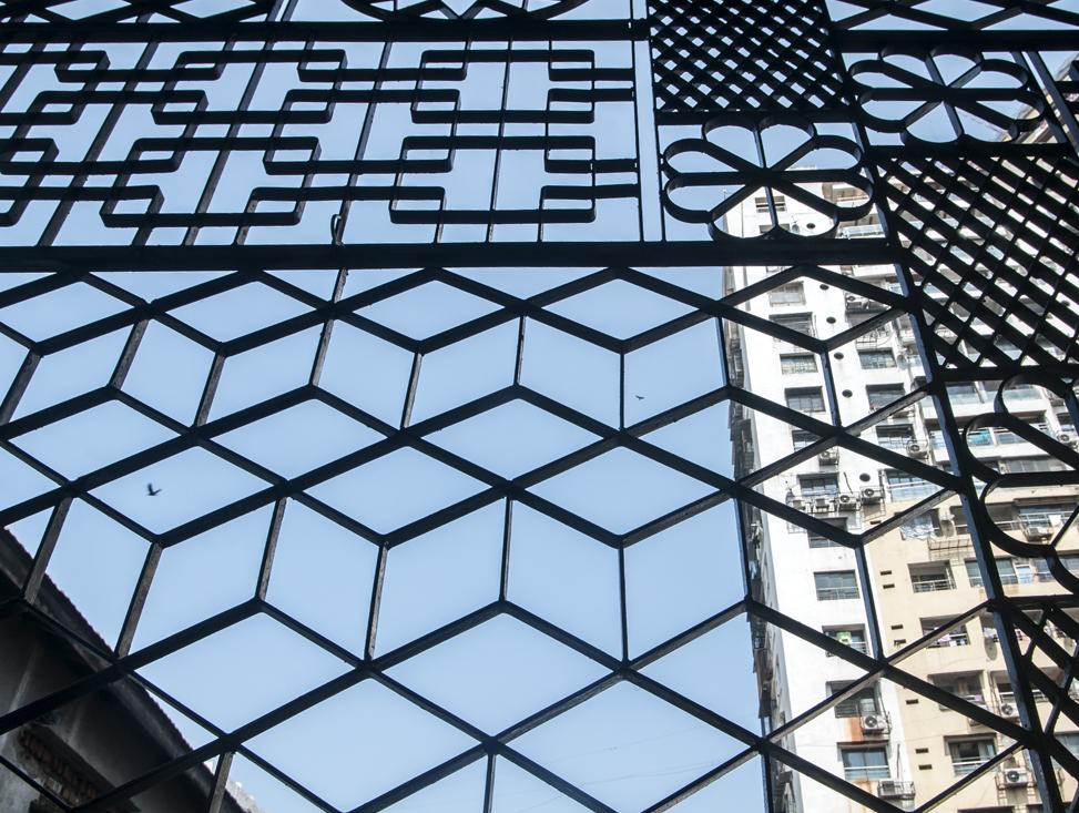 WINDOW GRILL DETAIL