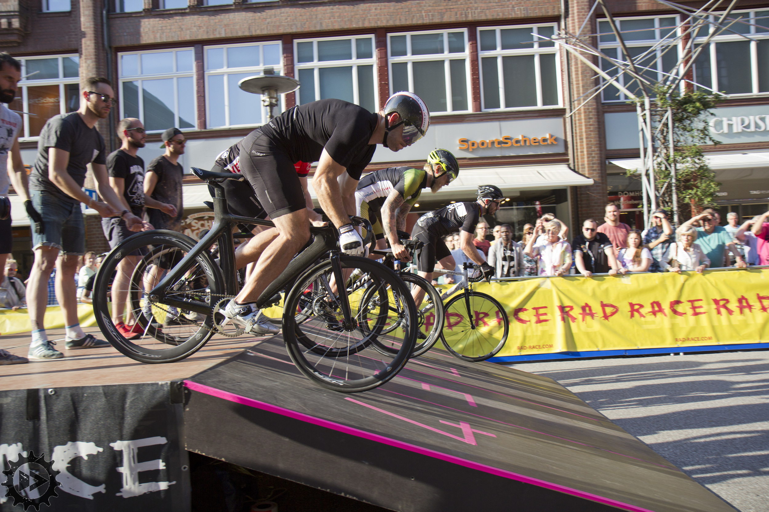 RAD RACE BATTLE - Cyclassics Hamburg 2015 - Pic by FXD>>FWD Maike Lange_11.jpg