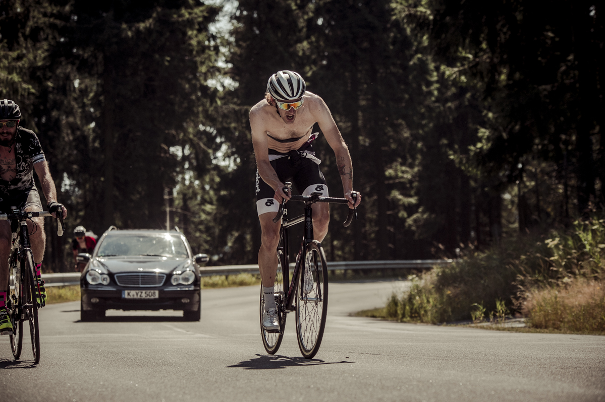 How hot can it be on the ascend of the mighty Feldberg? Pic by nils Laengner