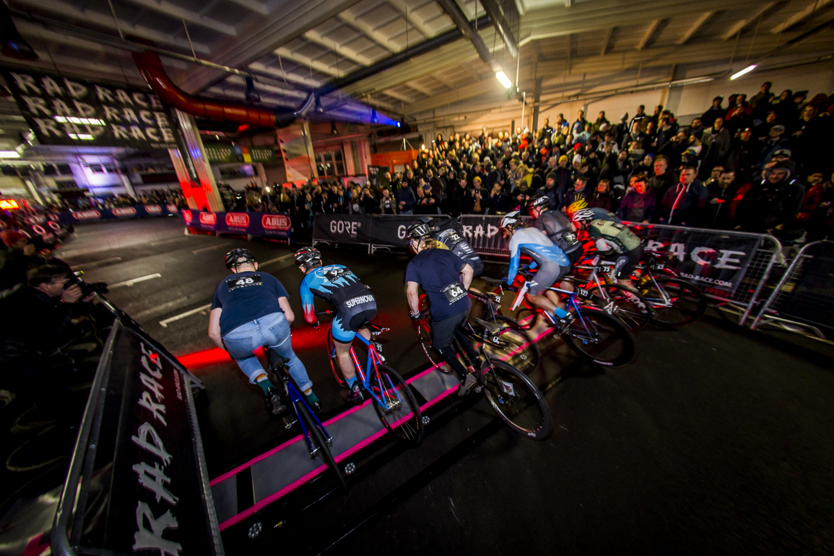 RULES: - The RAD RACE LAST WO/MAN STANDING is a knock-out competition. 128 male and 40 female riders start in heats of 8 against each other. Every second lap is elimination lap after each the last rider is kicked out. The four fastest riders of each heat make it to the next round. In the final race the 8 last riders compete against each other in the same format until only one is still standing! Fixed-gear only! No brakes!