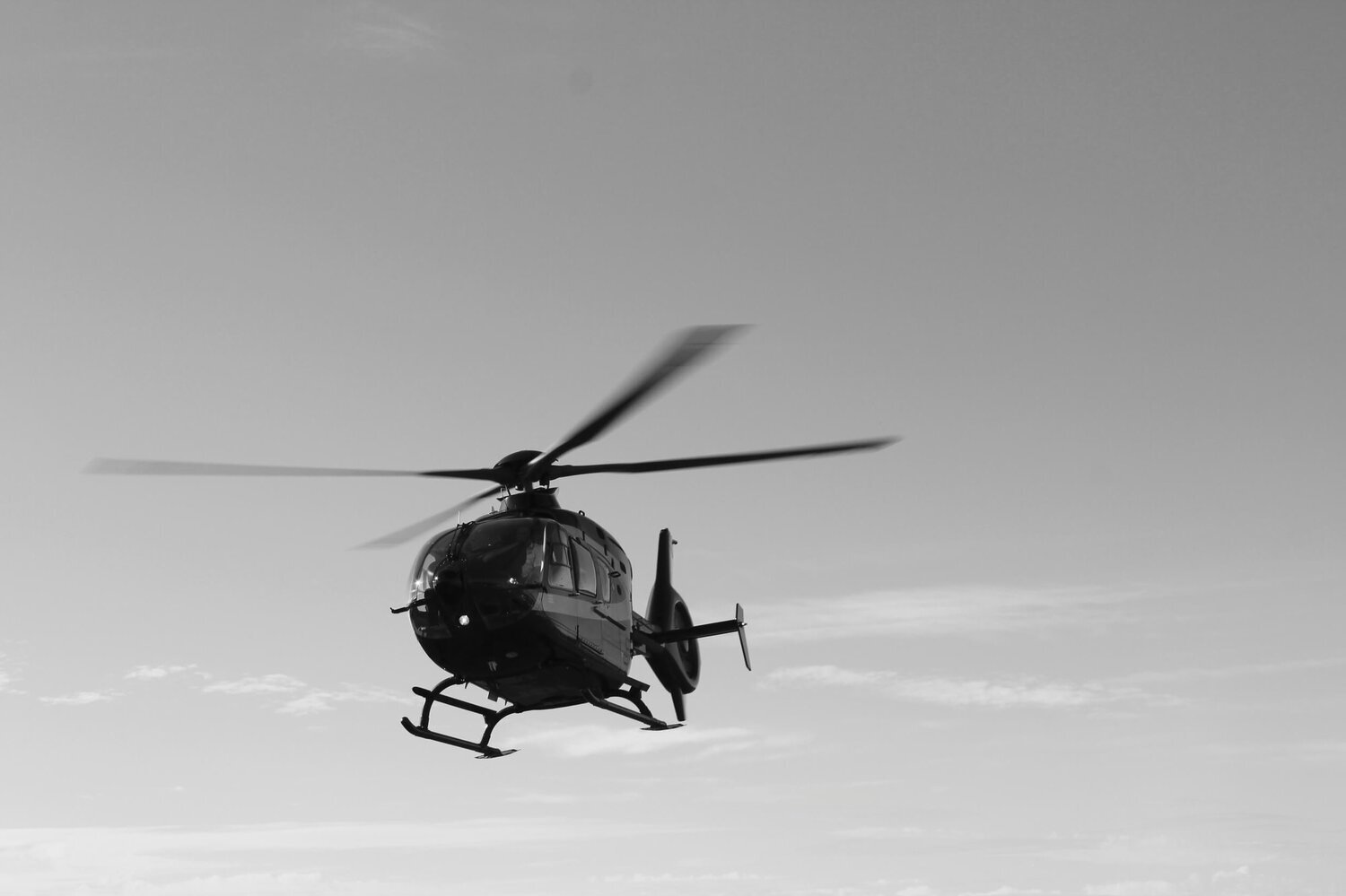 Helicopter Services - Clients can unlock access to remote areas that are the gateways to adventure, or utilise downtown helipads to transfer into urban centers with ease.