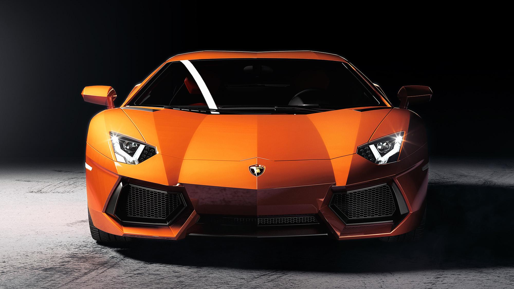 Lamborghini_front_01_w5_LOWREZ.jpg
