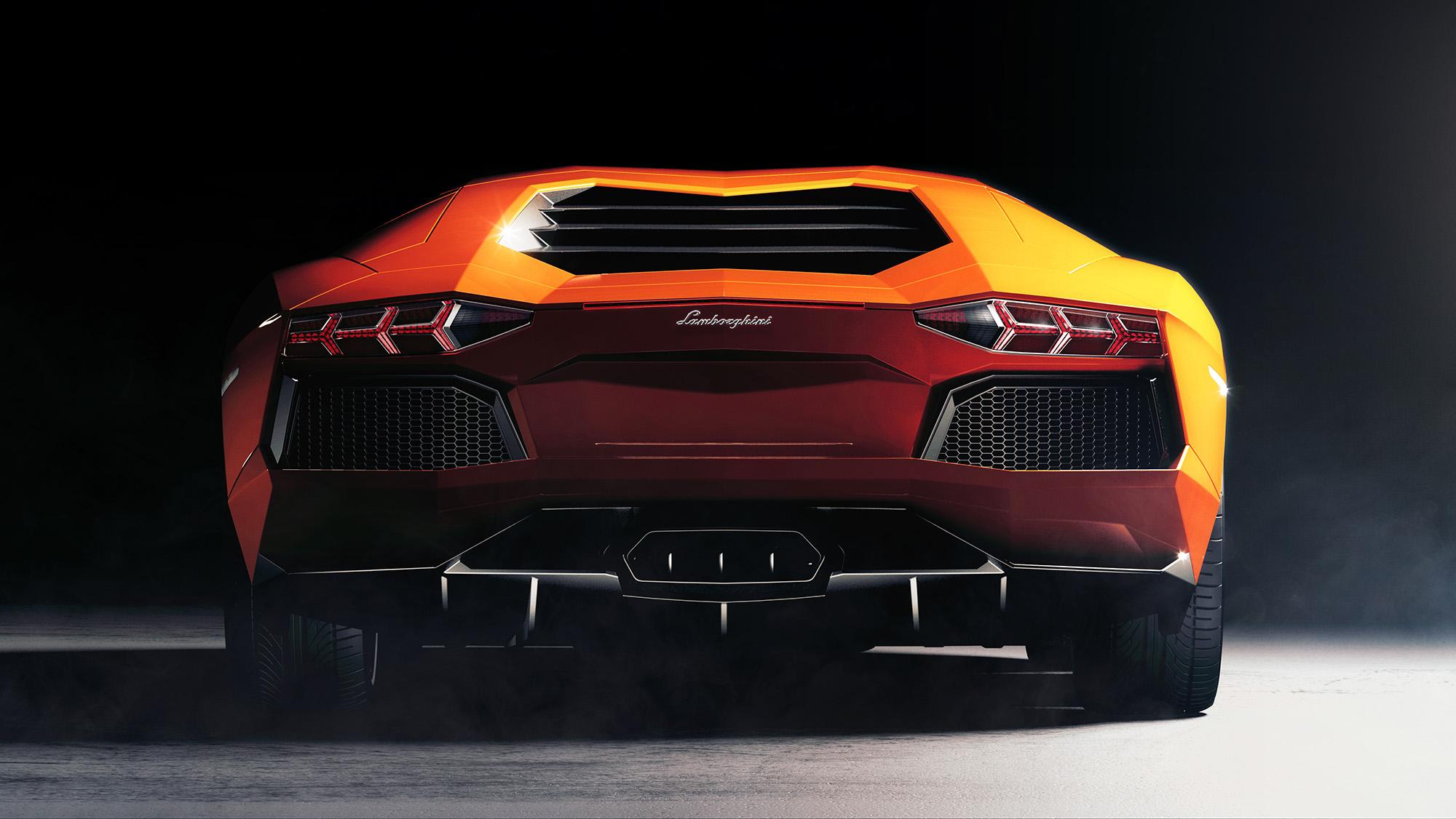 Lamborghini_rear_01_w6_LOWREZ.jpg