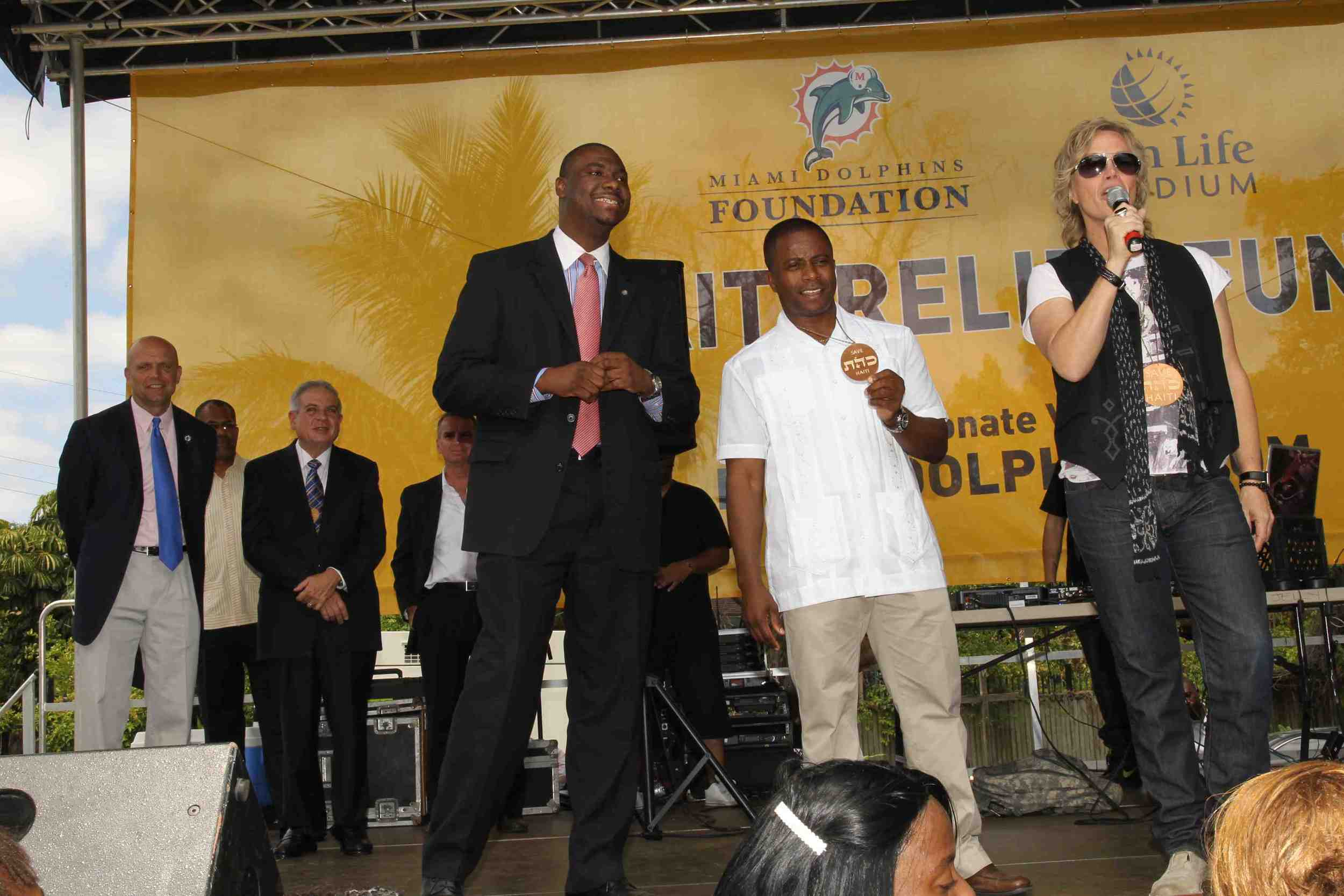 March 30, 2010    Brian Ray, guitarist for Paul McCartney, and Mayor of Miami at Haiti Relief Event