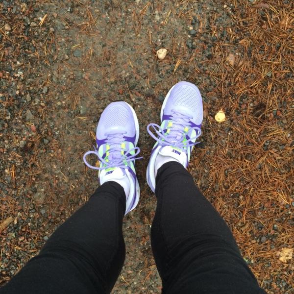 dubbla tights och nya skor på dagens backlöpning