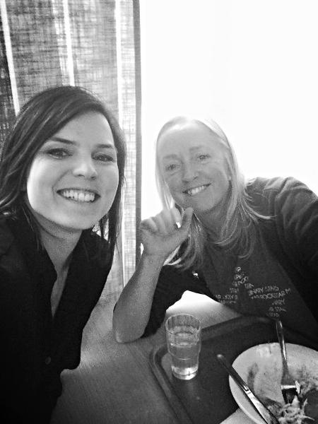 Jenny Jacobsson, bland annat medicinsk koordinator på förbundet, var med och hejade, kikade på plåtar och träffade läkaren. Också hann vi med en såhär trevlig lunch!