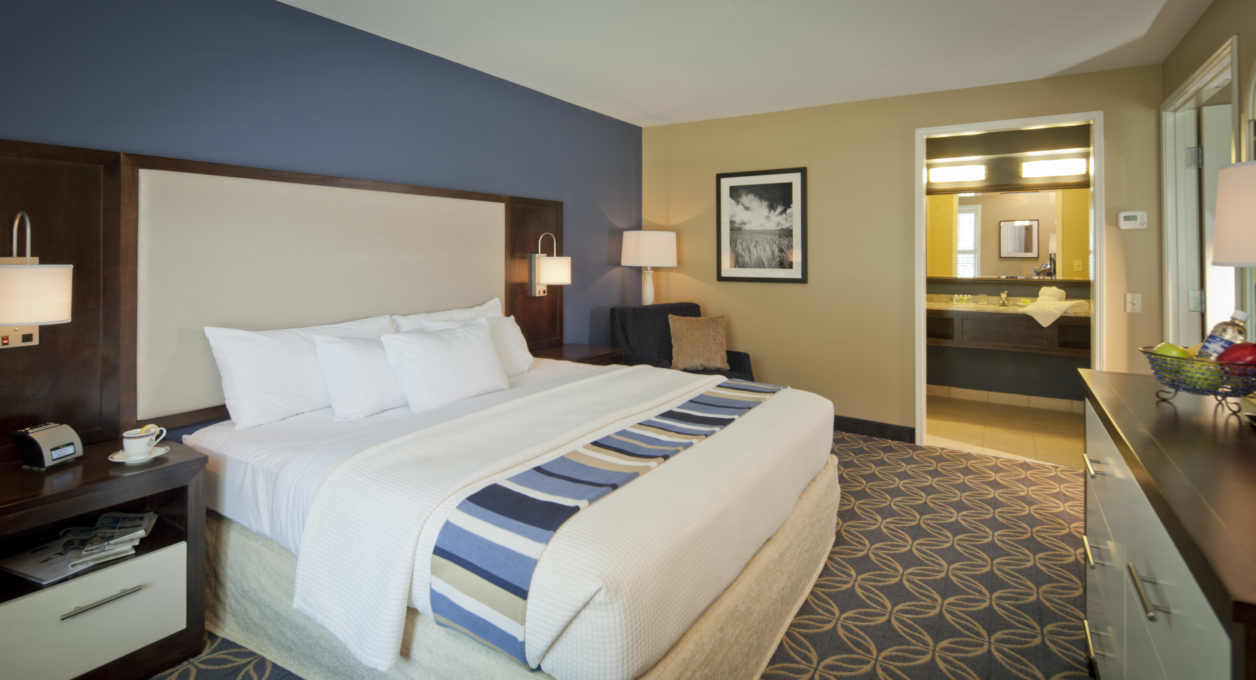 hotel-king parlor room 120615_0683.jpg