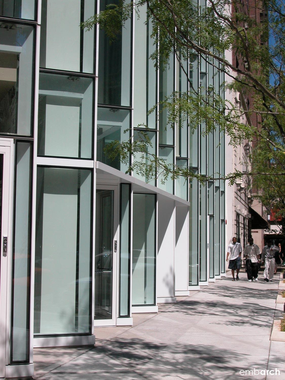 Sofitel Chicago Water Tower - street edge facade detail