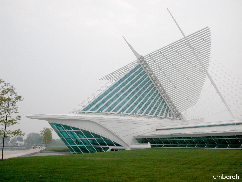 Quadracci Pavilion at the Milwaukee Art Museum - building exterior