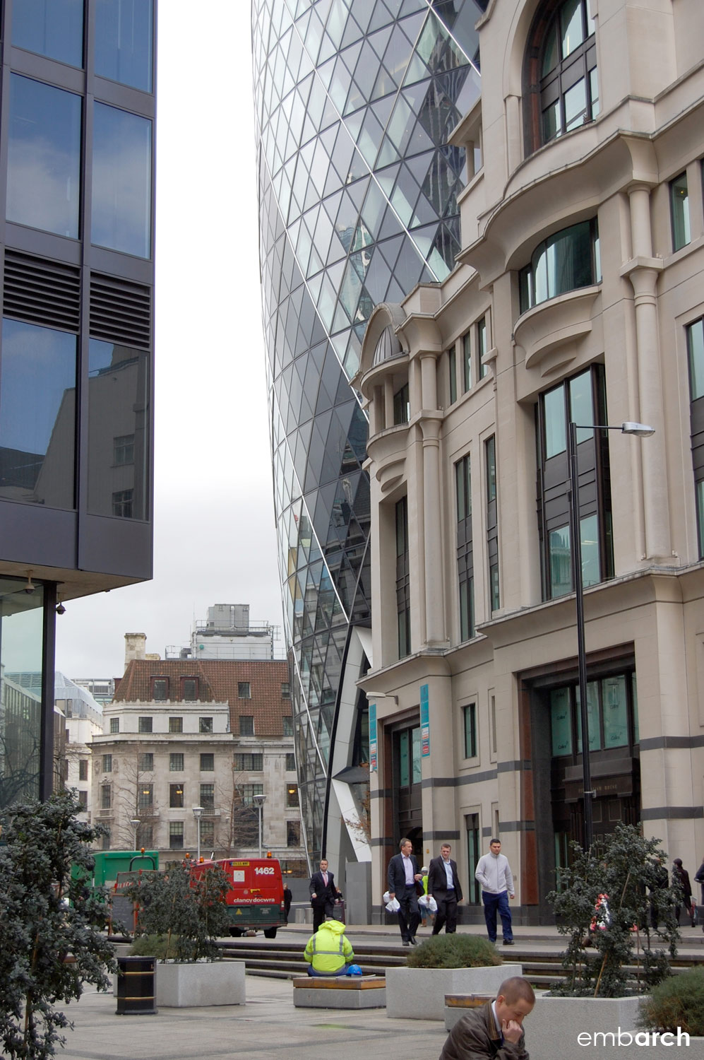 30 St. Mary's Axe - exterior view from stree