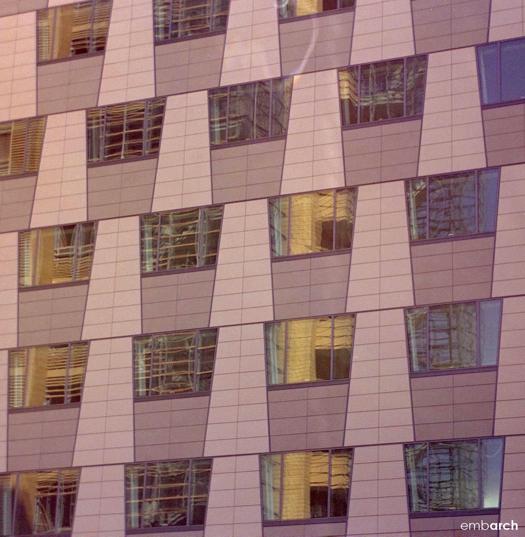 Berliner Volksbank Building - facade detail