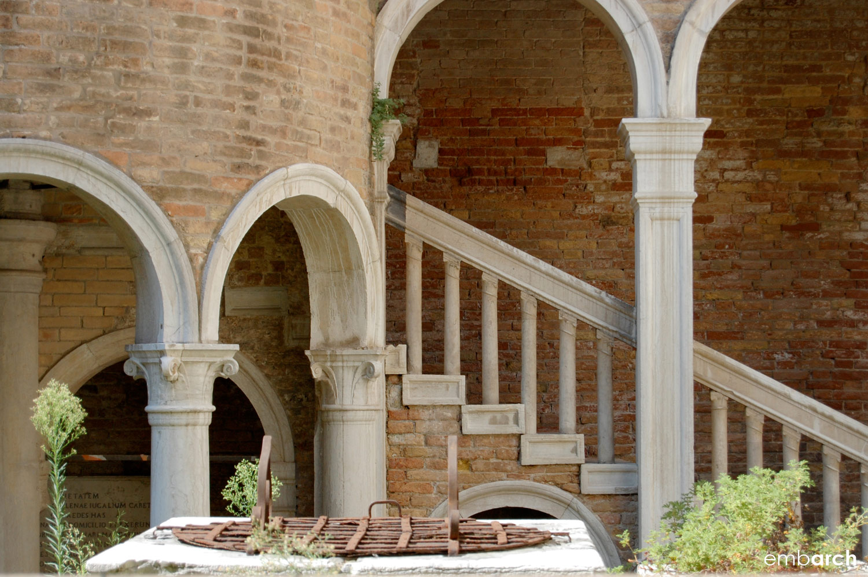 Palazzo Contarini del Bovolo - exterior view at staircase base