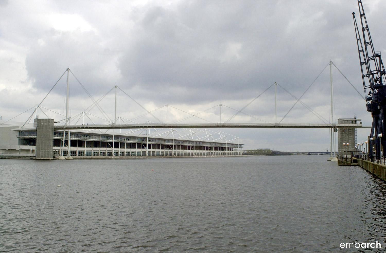 Royal Dock Bridge - exterior