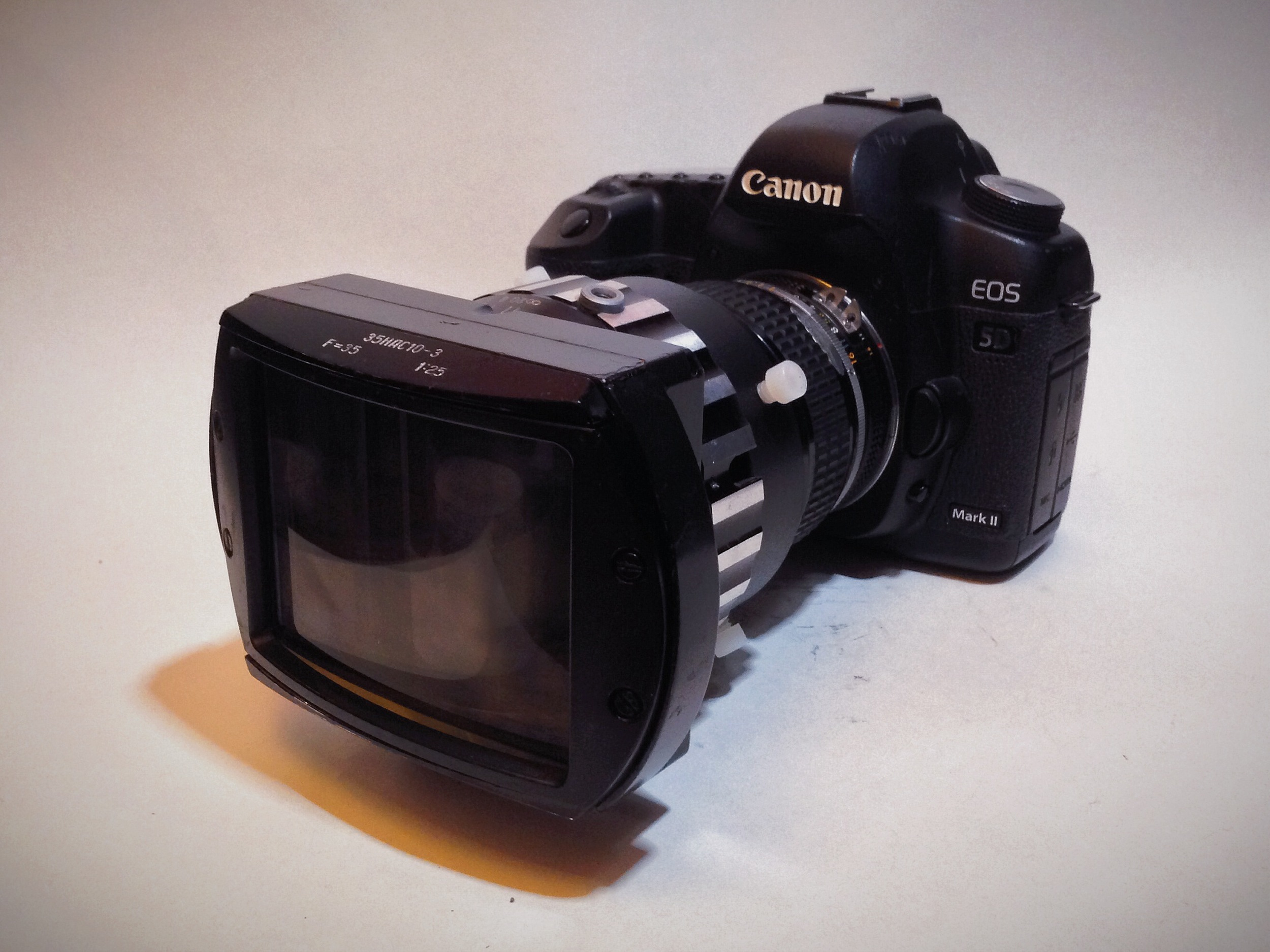 Lomo Anamorphic Attachment with 85mm Nikon f2.0 on the Canon 5D