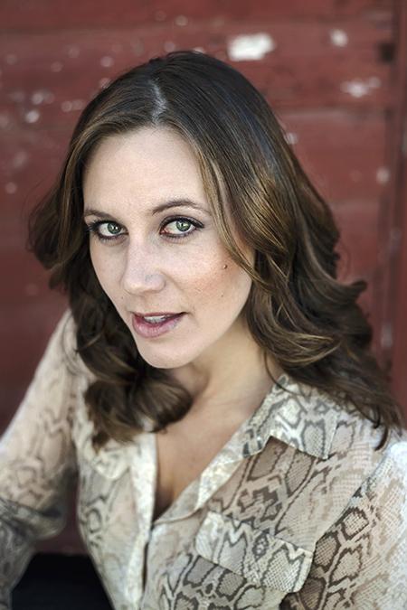 Alicia Hoogveld - Headshots - Portraits - YYC - Vanessa