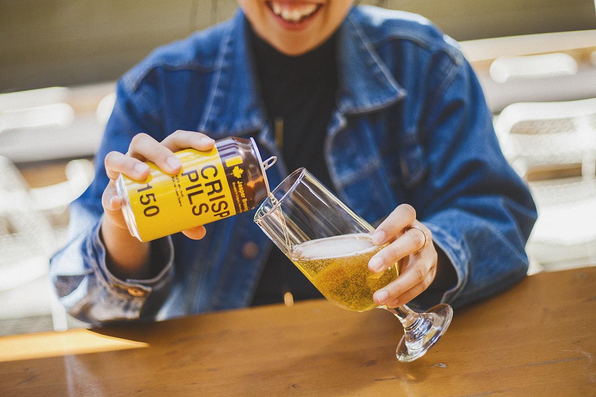 AliciaHoogveld_Albeerta_Product_YYC_Beer_CrispPils_2018_1