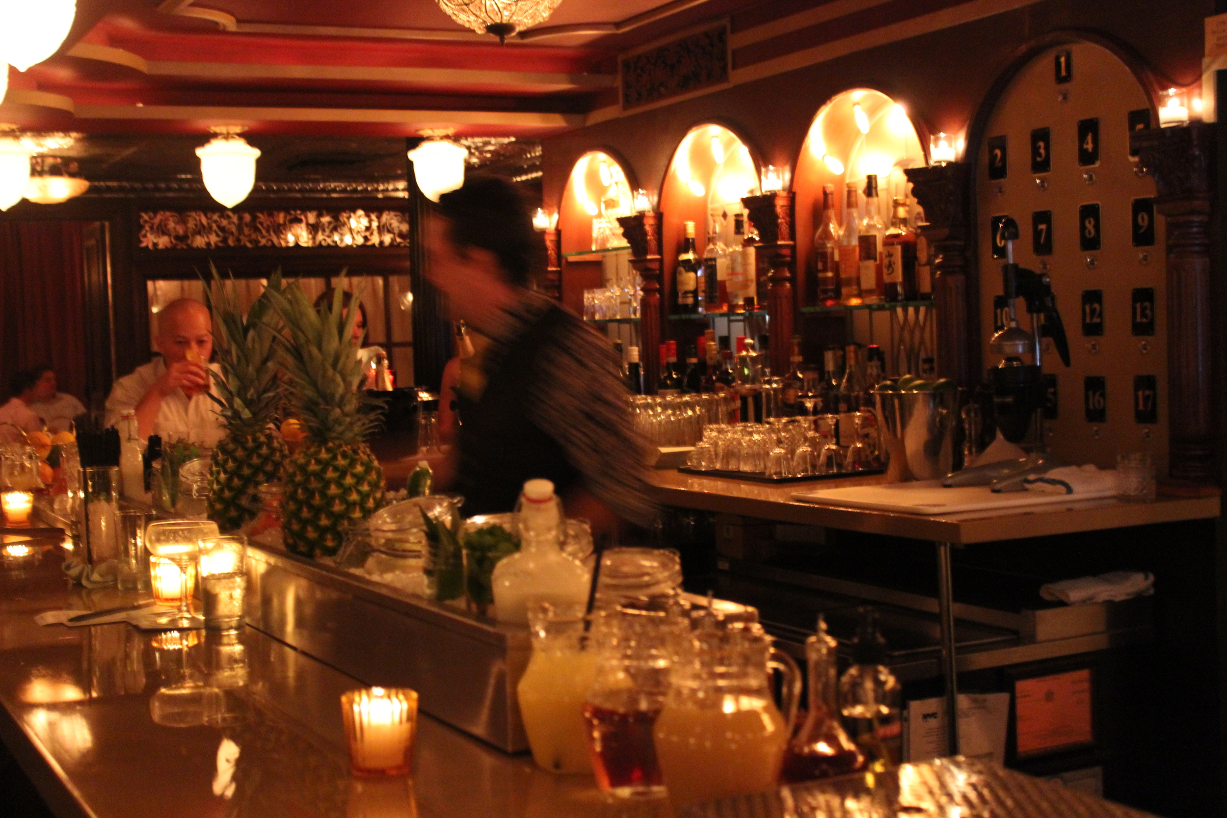 The Bartenders are SO FAST I could not capture them in the shot