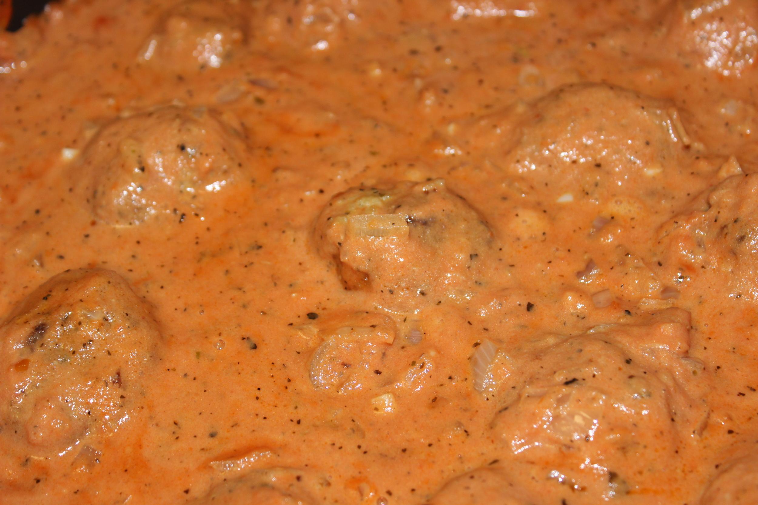 meatballs + sauce = <3