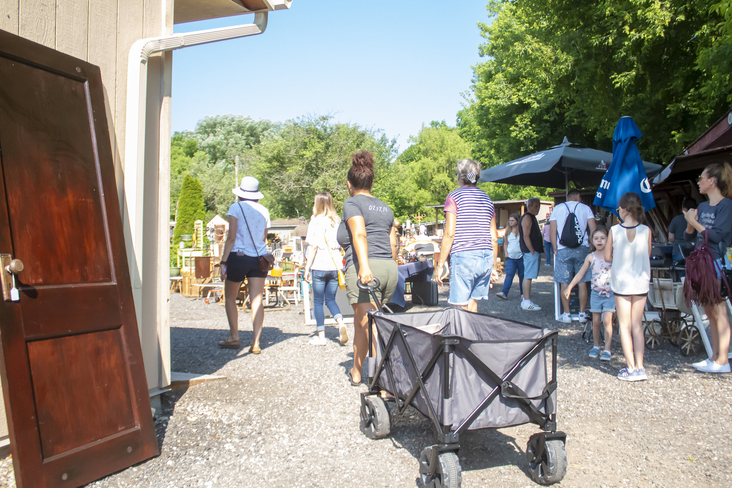 How to Shop Antique Markets - Multiple Walk throughs