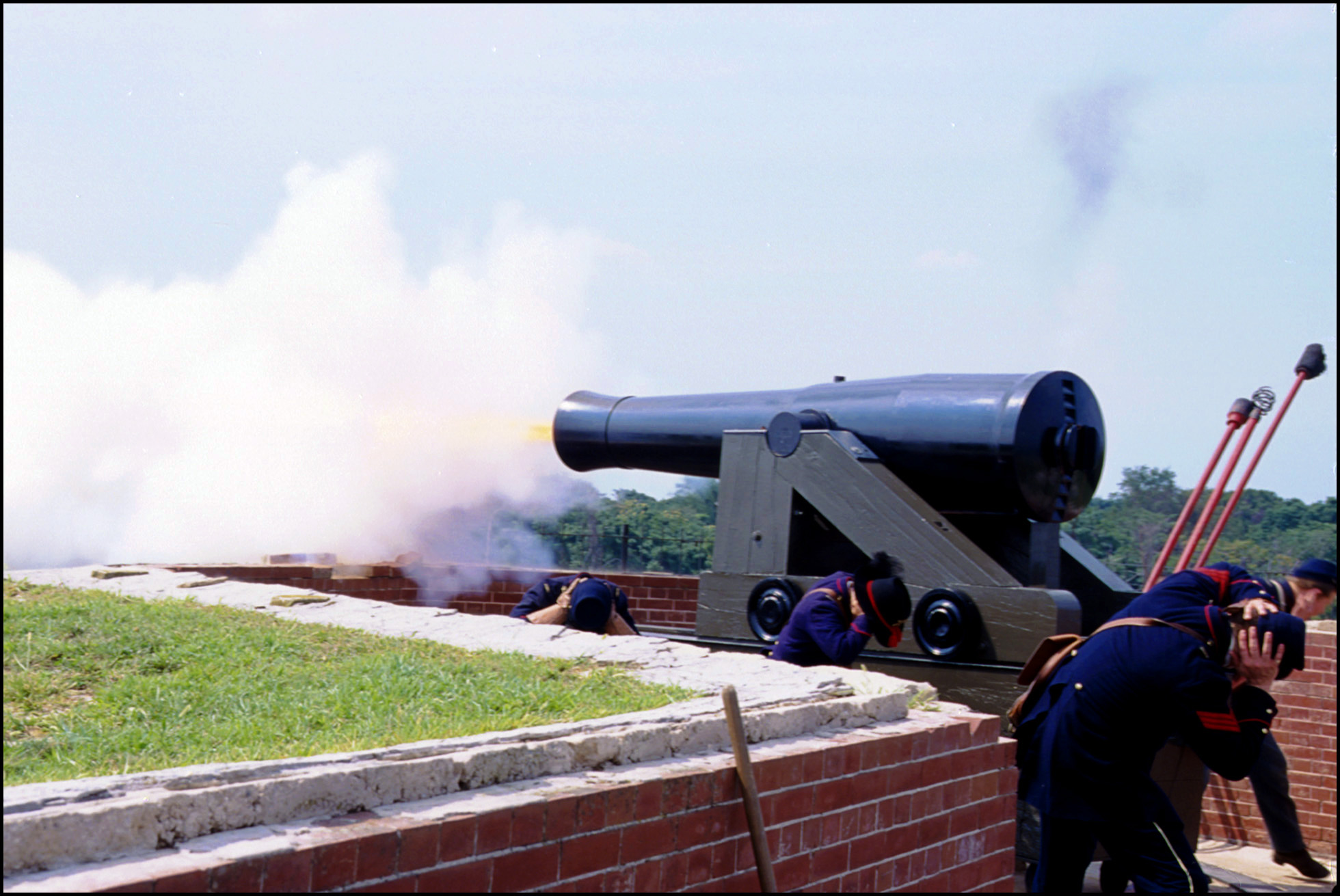 firing the cannon Fort Delaware