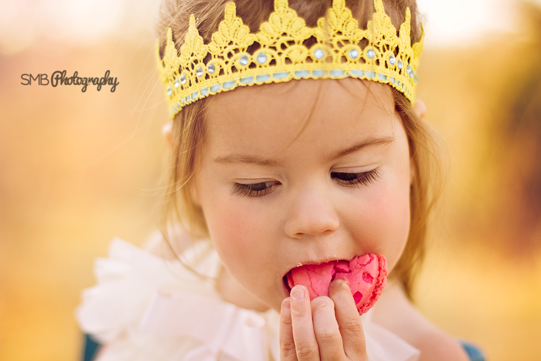This girl loved her french macaroons! {Oklahoma City Children's Photographer}