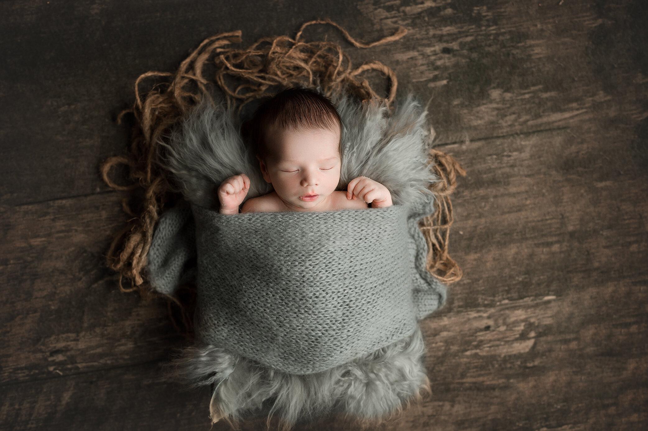 Lincoln   Simple Newborn Session