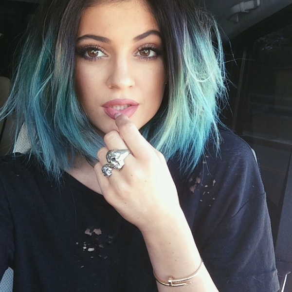 Too trashy? We think this teal hue looks classy not trashy on Kylie Jenner!