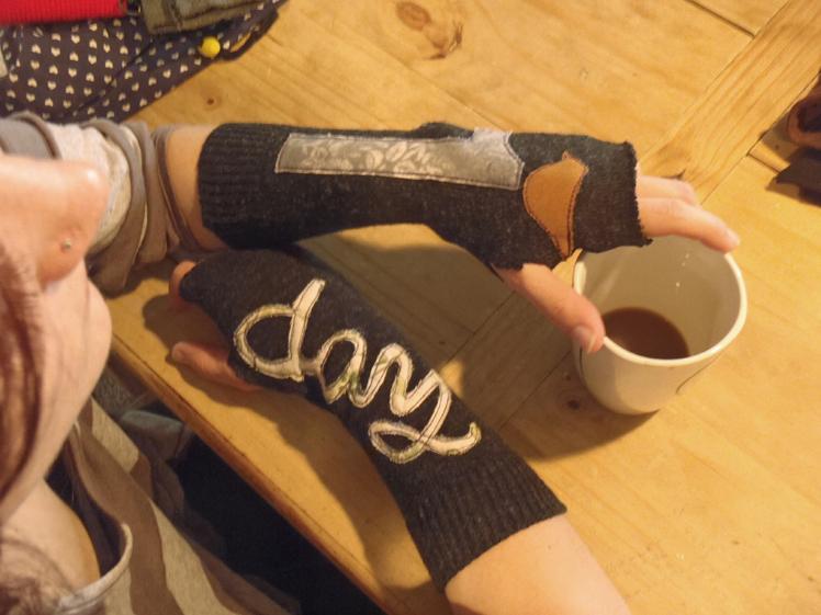 Gloves 3_1.jpg