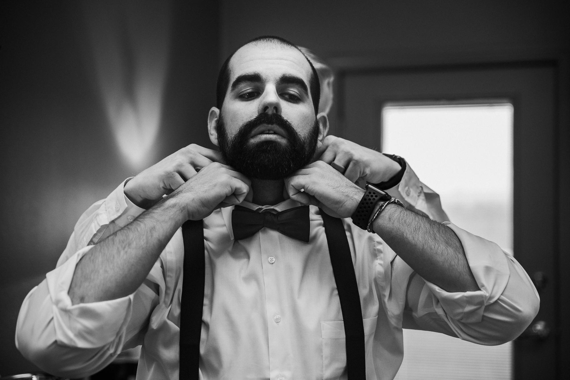 groom wedding photographer
