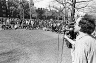 24290088-Unknown speaker on New Haven Green, Yale in background.jpg