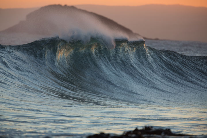 November 7, 2012, 8:29pm: Wall of water, Blackhead
