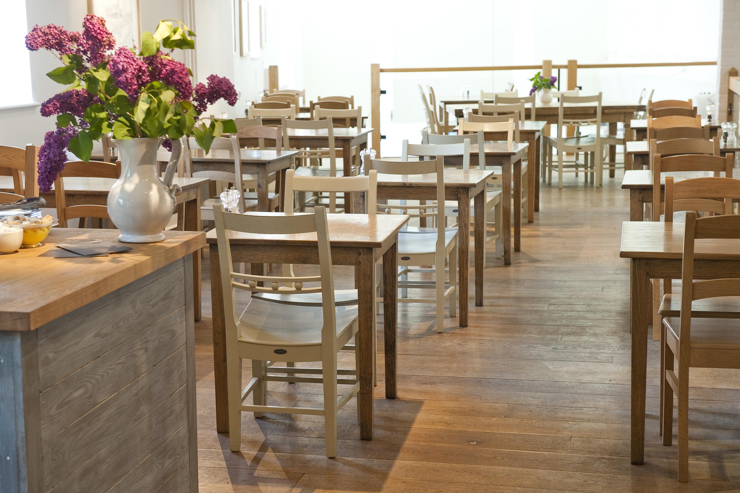 Cafe 1885 interior 2.jpg